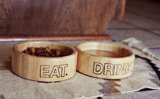DIY Pet Bowls And Feeding Stations - Wood Dog Bowl Project - Easy Ideas for Serving Dog and Cat Food, Ways to Raise and Store Bowls - Organize Your Dog Food and Water Bowl With These Cute and Creative Ideas for Dogs and Cats- Monogram, Painted, Personalized and Rustic Crafts and Projects http://diyjoy.com/diy-pet-bowls-feeding-station