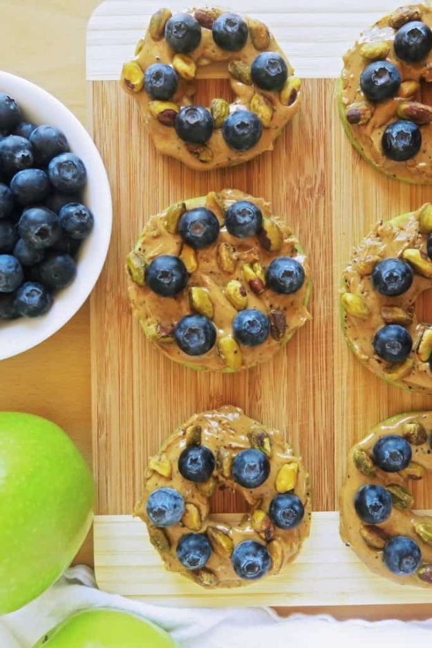 Best Recipes To Teach Your Kids To Cook - Blueberry Pistachio Apple Sandwiches - Easy Ideas To Show Children How to Prepare Food - Kid Friendly Recipes That Boys and Girls Can Make Themselves - No Bake, 5 Minute Foods, Healthy Snacks, Salads, Dips, Roll Ups, Vegetables and Simple Desserts - Recipes To Learn How To Make Fun Food http://diyjoy.com/best-recipes-teach-kids-to-cook