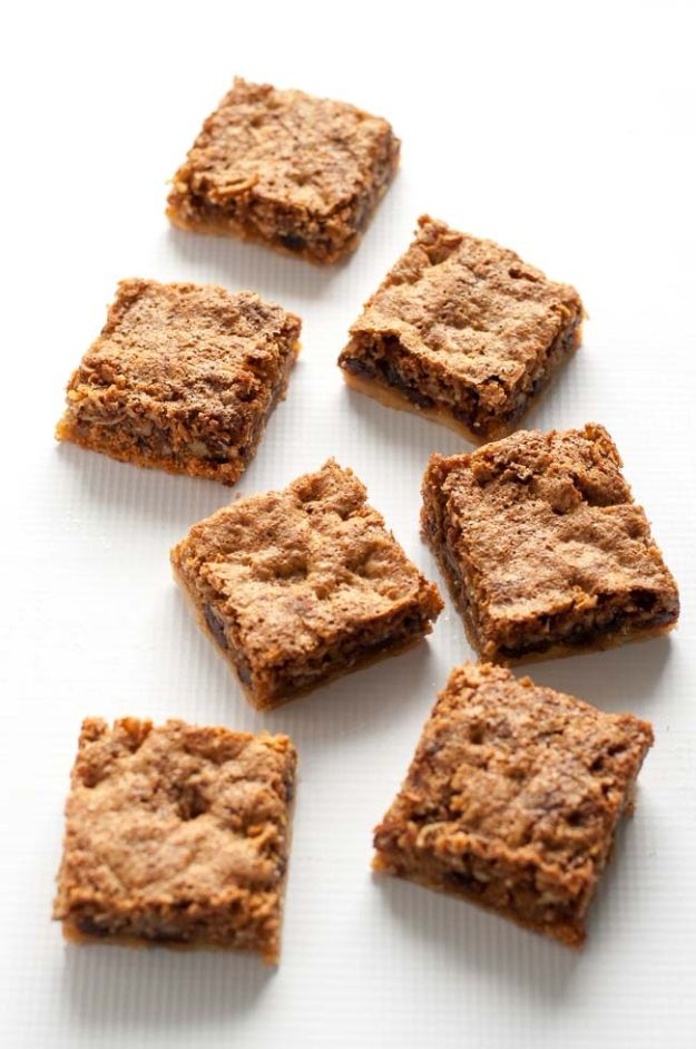 Gluten Free Desserts - Canadian Butter Tart Squares - Easy Recipes and Healthy Recipe Ideas for Cookies, Cake, Pie, Cupcakes, Cheesecake and Ice Cream - Best No Sugar Glutenfree Chocolate, No Bake Dessert, Fruit, Peach, Apple and Banana Dishes - Flourless Christmas, Thanksgiving and Holiday Dishes #glutenfree #desserts #recipes
