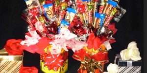 Watch How She Makes A Fun Candy Bouquet For Valentine's Day Gifts!