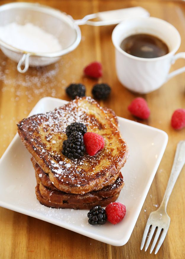 Best Recipes To Teach Your Kids To Cook - Cinnamon Swirl French Toast - Easy Ideas To Show Children How to Prepare Food - Kid Friendly Recipes That Boys and Girls Can Make Themselves - No Bake, 5 Minute Foods, Healthy Snacks, Salads, Dips, Roll Ups, Vegetables and Simple Desserts - Recipes To Learn How To Make Fun Food http://diyjoy.com/best-recipes-teach-kids-to-cook
