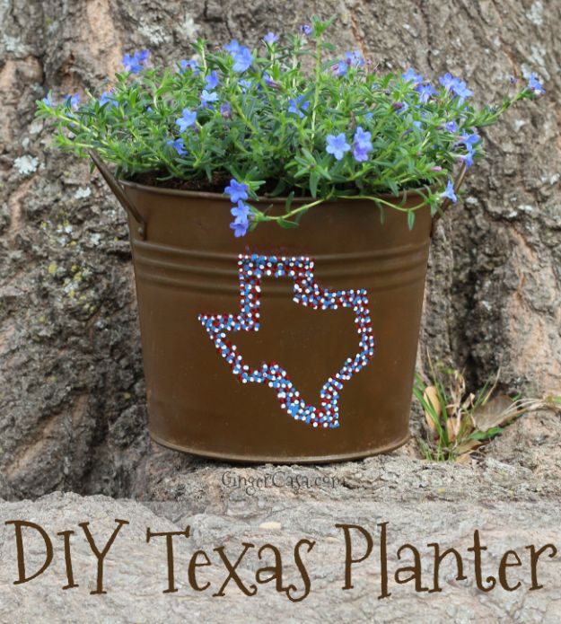 DIY Ideas For Everyone Who Loves Texas - DIY Texas Planter - Cute Lone Star State Crafts In The Shape of Texas - Best Texan Quotes, Sayings and Signs for Your Porch and Home - Easy Texas Themed Decorating Ideas - Country Crafts, Rustic Home Decor, String Art and Map Projects Shaped Like Texas - Decor for Living Room, Bedroom, Bathroom, Kitchen and Yard http://diyjoy.com/diy-ideas-Texas