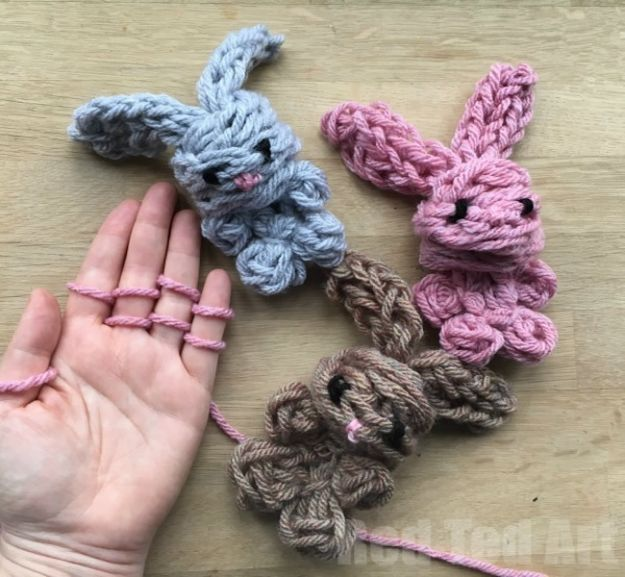 Crafts for Girls - Easy Finger Knitting Bunny DIY - Cute Crafts for Young Girls, Toddlers and School Children - Fun Paints to Make, Arts and Craft Ideas, Wall Art Projects, Colorful Alphabet and Glue Crafts, String Art, Painting Lessons, Cheap Project Tutorials and Inexpensive Things for Kids to Make at Home - Cute Room Decor and DIY Gifts #girlsgifts #girlscrafts #craftideas #girls
