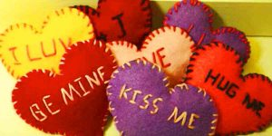 Watch How She Makes These Quick And Easy Felt Hearts With Sweet Embroidered Words!