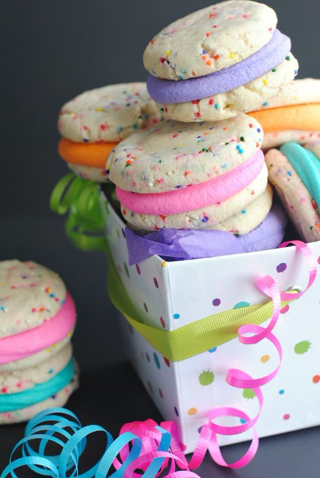Best Recipes To Teach Your Kids To Cook - Funfetti Whoopie Pies - Easy Ideas To Show Children How to Prepare Food - Kid Friendly Recipes That Boys and Girls Can Make Themselves - No Bake, 5 Minute Foods, Healthy Snacks, Salads, Dips, Roll Ups, Vegetables and Simple Desserts - Recipes To Learn How To Make Fun Food http://diyjoy.com/best-recipes-teach-kids-to-cook