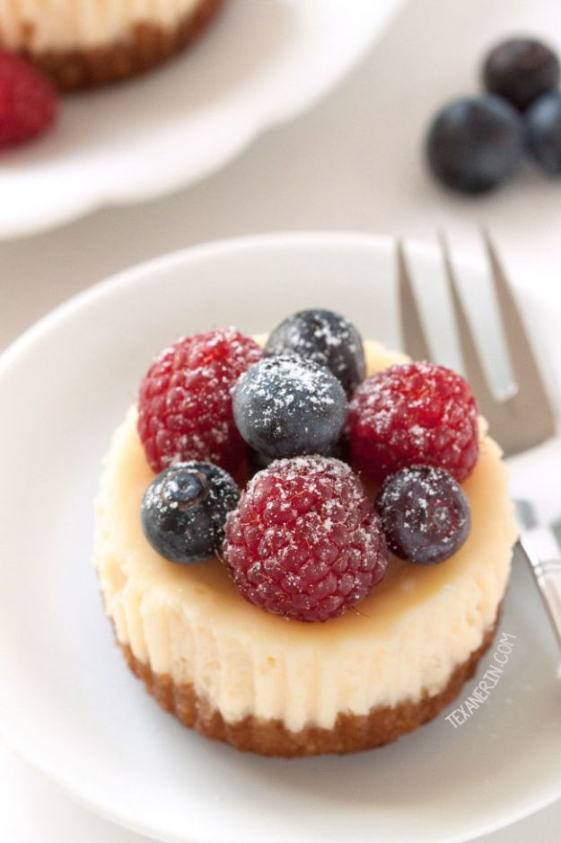 Gluten Free Desserts - Gluten Free Mini Cheesecakes - Easy Recipes and Healthy Recipe Ideas for Cookies, Cake, Pie, Cupcakes, Cheesecake and Ice Cream - Best No Sugar Glutenfree Chocolate, No Bake Dessert, Fruit, Peach, Apple and Banana Dishes - Flourless Christmas, Thanksgiving and Holiday Dishes #glutenfree #desserts #recipes