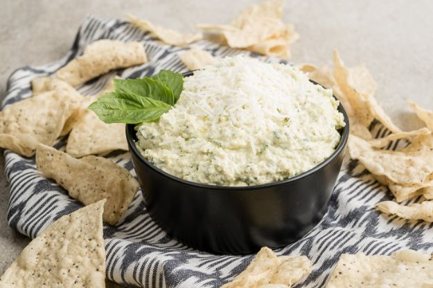 Best Keto Recipes - Goat Cheese & Artichoke Dip - Easy Ketogenic Recipe Ideas for Breakfast, Lunch, Dinner, Snack and Dessert - Quick Crockpot Meals, Fat Bombs, Gluten Free and Low Carb Foods To Make For The Keto Diet #keto #ketorecipes #ketodiet