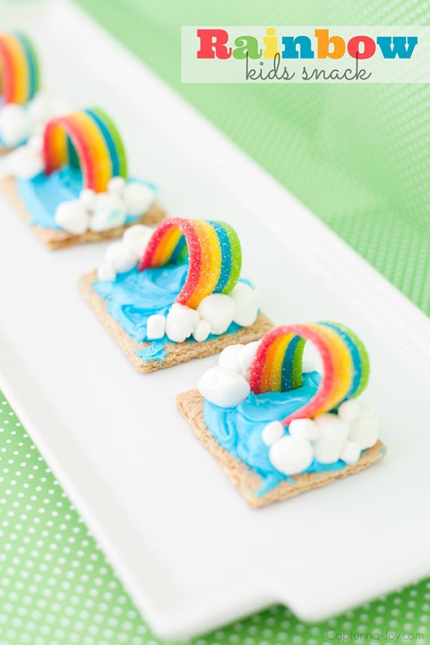 Best Recipes To Teach Your Kids To Cook - Graham Cracker Rainbow Weather Snack - Easy Ideas To Show Children How to Prepare Food - Kid Friendly Recipes That Boys and Girls Can Make Themselves - No Bake, 5 Minute Foods, Healthy Snacks, Salads, Dips, Roll Ups, Vegetables and Simple Desserts - Recipes To Learn How To Make Fun Food http://diyjoy.com/best-recipes-teach-kids-to-cook