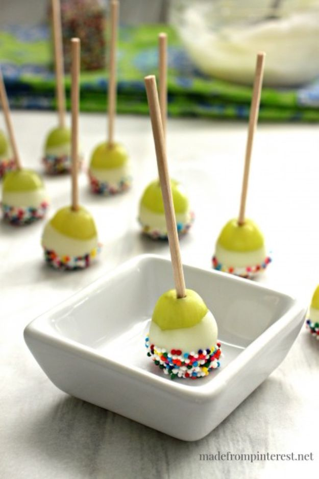 Best Summer Snacks and Snack Recipes - Grape Poppers - Quick And Easy Snack Ideas for After Workout, School, Work - Mid Day Treats, Best Small Desserts, Simple and Fast Things To Make In Minutes - Healthy Snacking Foods Made With Vegetables, Cheese, Yogurt, Fruit and Gluten Free Options - Kids Love Making These Sweets, Popsicles, Drinks, Smoothies and Fun Foods - Refreshing and Cool Options for Eating Otuside on a Hot Day http://diyjoy.com/best-summer-snacks