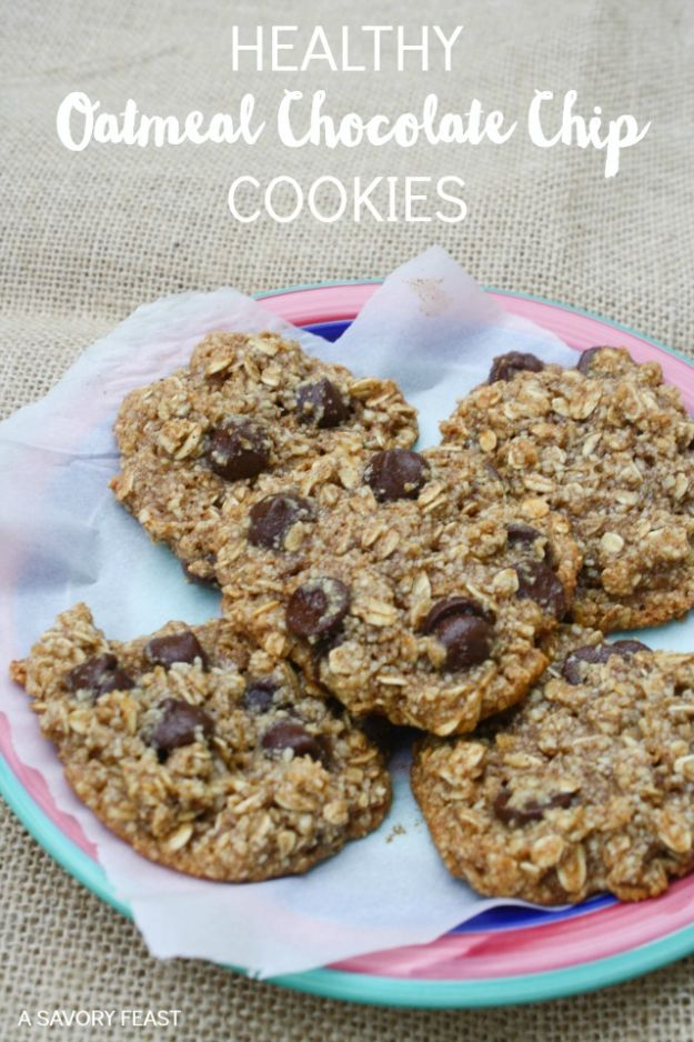 Low Sugar Dessert Recipes - Healthy Oatmeal Chocolate Chip Cookies - Healthy Desserts and Ideas for Healthy Sweets Without Much Sugar - Raw Foods and Easy Clean Eating Dessert Tips, Keto Diet Snacks - Chocolate, Gluten Free, Cakes, Fruit Dips, No Bake, Stevia and Sweetener Options - Diabetic Diets and Diabetes Recipe Ideas for Desserts #recipes #recipeideas #lowsugar #nosugar #lowcalorie #diyjoy #dessertrecipes #lowsugar #dietrecipes