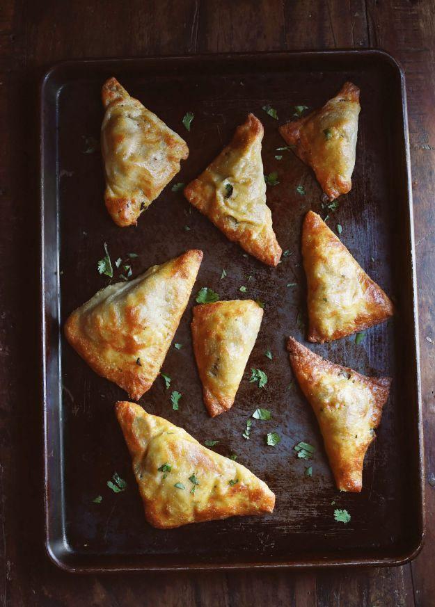 Best Keto Recipes - Low-Carb Indian Vegetable Samosas - Easy Ketogenic Recipe Ideas for Breakfast, Lunch, Dinner, Snack and Dessert - Quick Crockpot Meals, Fat Bombs, Gluten Free and Low Carb Foods To Make For The Keto Diet #keto #ketorecipes #ketodiet