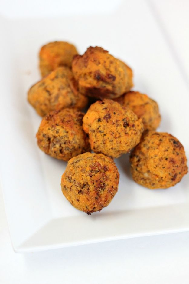 Gluten Free Appetizers - Paleo Sausage Balls - Easy Flourless and Glutenfree Snacks, Wraps, Finger Foods and Snack Recipes - Recipe Ideas for Gluten Free Diets - Spinach and Cheese Dips, Vegetable Spreads, Sushi rolls, Quick Grill Foods, Party Trays, Dessert Bites, Healthy Veggie and Fruit Appetizer Tutorials #glutenfree #appetizers #appetizerrecipes #glutenfreerecipes #recipeideas #diyjoy http://diyjoy.com/gluten-free-appetizers
