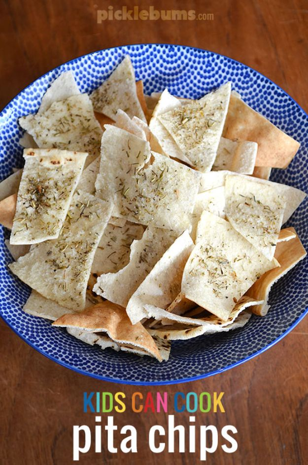 Best Recipes To Teach Your Kids To Cook - Pita Chips - Easy Ideas To Show Children How to Prepare Food - Kid Friendly Recipes That Boys and Girls Can Make Themselves - No Bake, 5 Minute Foods, Healthy Snacks, Salads, Dips, Roll Ups, Vegetables and Simple Desserts - Recipes To Learn How To Make Fun Food http://diyjoy.com/best-recipes-teach-kids-to-cook