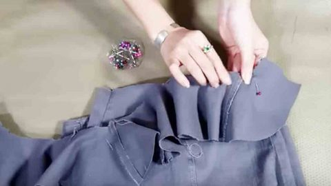 It's Phenomenal How She Recycles Jeans Into A Fashionable Item. Watch! | DIY Joy Projects and Crafts Ideas