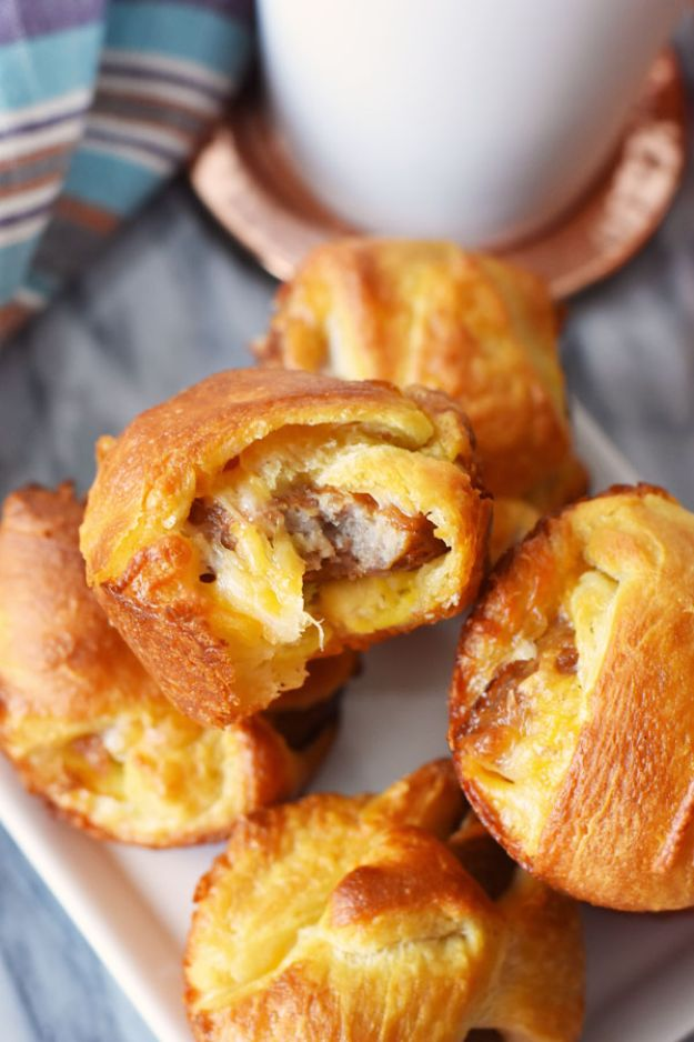 Best Recipes To Teach Your Kids To Cook - Sausage, Egg and Cheese Breakfast Bombs - Easy Ideas To Show Children How to Prepare Food - Kid Friendly Recipes That Boys and Girls Can Make Themselves - No Bake, 5 Minute Foods, Healthy Snacks, Salads, Dips, Roll Ups, Vegetables and Simple Desserts - Recipes To Learn How To Make Fun Food http://diyjoy.com/best-recipes-teach-kids-to-cook