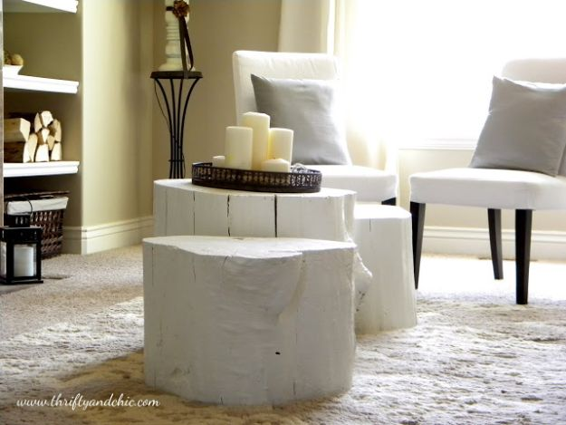DIY Coffee Tables - Tree Stump Coffee Table - Easy Do It Yourself Furniture Ideas for The Living Room Table - Cool Projects for Making a Coffee Table With Crates, Boxes, Stone, Industrial Pipe, Tile, Pallets, Old Doors, Windows and Repurposed Wood Planks - Rustic Farmhouse Home Decor, Modern Decorating Ideas, Simply Shabby Chic and All White Looks for Minimalist Interiors http://diyjoy.com/diy-coffee-table-ideas