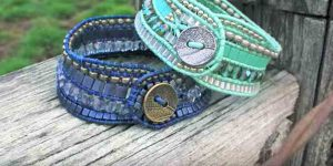 Watch How She Makes These Incredible Bracelets And Save Some Money!