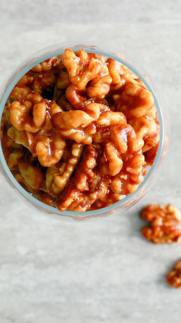 Quick Dessert Recipes - 5-Minute Caramel Walnuts Recipe - Fast Desserts to Make In Minutes - Sweet Treats, Cookies, Cake and Snack Ideas