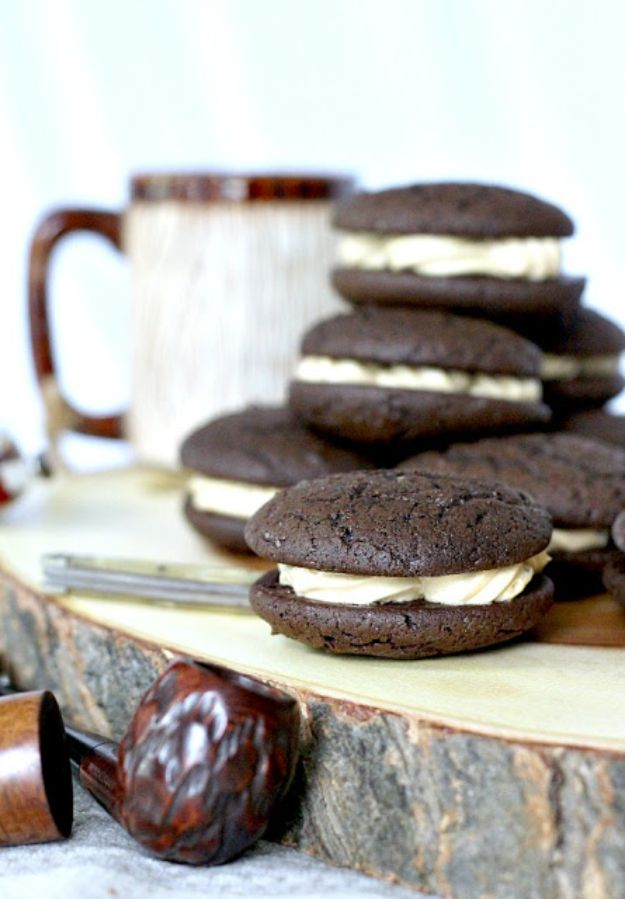 Coffee Drink Recipes - Chocolate Espresso Whoopie Pies - Easy Drinks and Coffees To Make At Home - Frozen, Iced, Cold Brew and Hot Coffee Recipe Ideas - Sugar Free, Low Fat and Blended Drinks - Mocha, Frappucino, Caramel, Chocolate, Latte and Americano - Flavored Coffee, Liqueur and After Dinner Drinks With Alcohol, Dessert Ideas for Parties #coffeedrinks #coffeerecipes #coffee #drinkrecipes