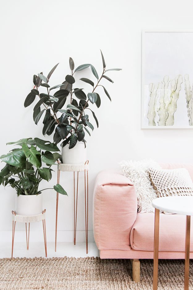 DIY Plant Hangers - DIY Copper Plant Stands - Cute and Easy Home Decor Ideas for Plants - How To Make Planters, Hanging Pot Holders, Wire, Rope and Baskets - Quick DIY Gifts Ideas, Macrame Plant Hanger #gardening #plants #diyideas