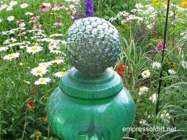 Creative Garden Art Ideas -Crafts for Outdoors - DYI Garden Ornaments to Make for Backyard Decoration - DIY Glowing Garden Ball Lantern - DIY Decorative Garden Ball
