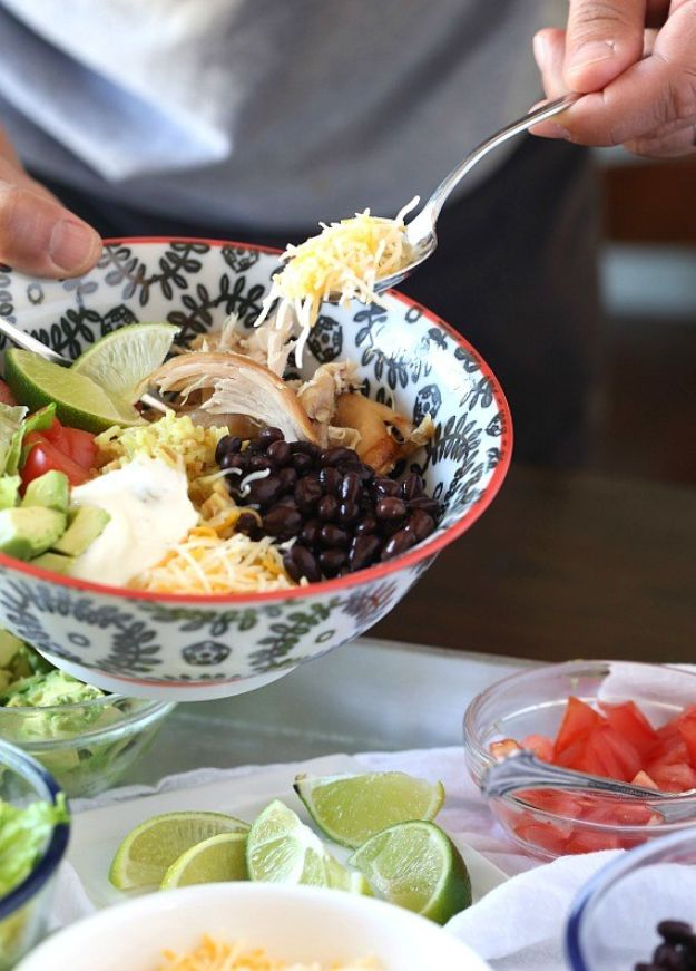 Easy Recipes For Rotisserie Chicken - Easy Burrito Bowls - Healthy Recipe Ideas for Leftovers - Comfort Foods With Chicken - Low Carb and Gluten Free, Crock Pot Meals, Appetizers, Salads, Sour Cream Enchiladas, Pasta, One Pot Meals and Casseroles for Quick Dinners http://diyjoy.com/recipes-rotisserie-chicken