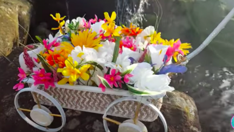 I Was So Surprised When I Saw What She Made This Wheel Barrow Out Of. Watch!   DIY Joy Projects and Crafts Ideas
