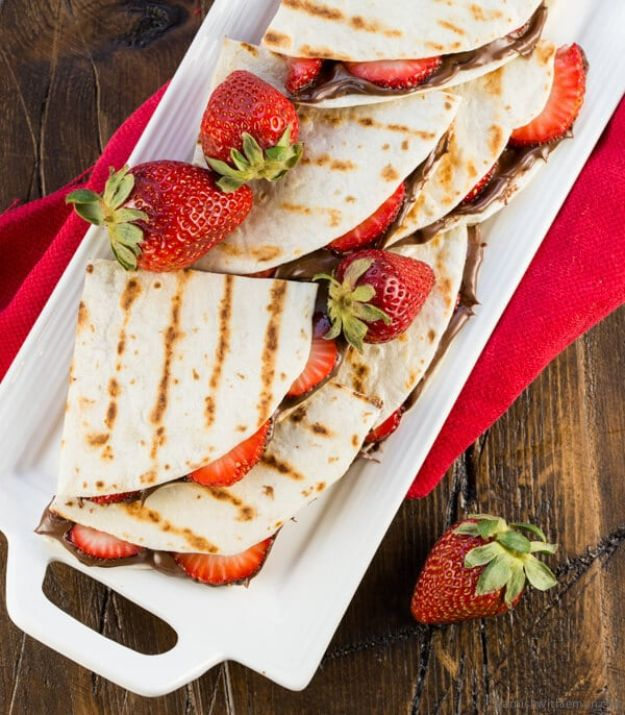 Quick Dessert Recipes - Grilled Strawberry Nutella Quesadillas Recipe - Fast Desserts to Make In Minutes - Sweet Treats, Cookies, Cake and Snack Ideas
