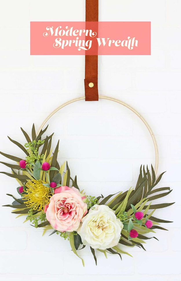 DIY Modern Home Decor - Modern Spring Wreath - Room Ideas, Wall Art on A Budget, Farmhouse Style Projects - Easy DIY Ideas and Decorations for Apartments, Living Room, Bedroom, Kitchen and Bath - Fixer Upper Tips and Tricks