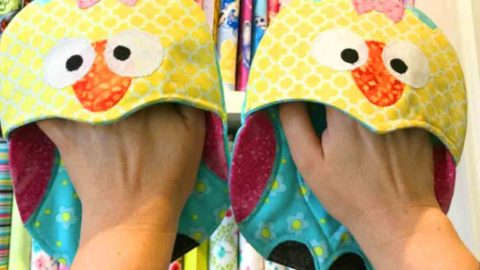 Give Your Kitchen Some Personality With The Cutest Oven Mitts Ever. Learn How! | DIY Joy Projects and Crafts Ideas