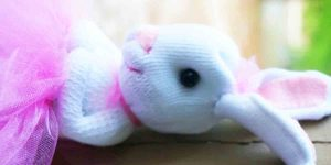 Get Started On Making These Ridiculously Adorable Bunnies So Grab Your Socks!