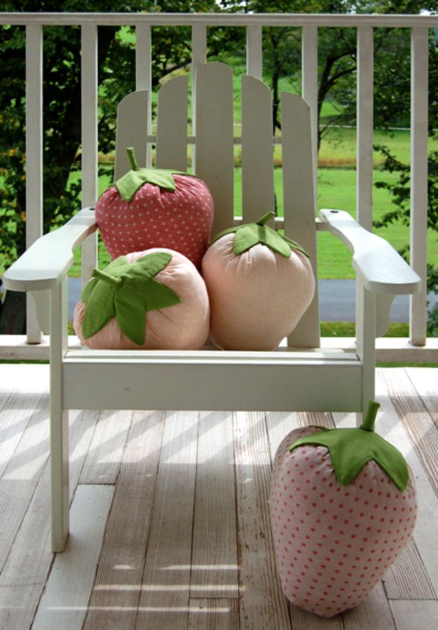 Cool Things To Sew For Summer - Strawberry Pillows - Easy Dresses, Cute Skirts, Maxi Dress, Shorts, Pants and Tops
