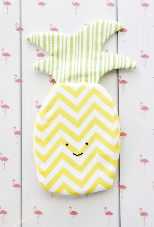 Cool Things To Sew For Summer - Sweet Pineapple Zipper Pouch - Easy Dresses, Cute Skirts, Maxi Dress, Shorts, Pants and Tops