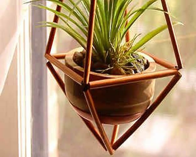 DIY Plant Hangers - Cheap And Fancy Faux Brass Hangers - Cute and Easy Home Decor Ideas for Plants - How To Make Planters, Hanging Pot Holders, Wire, Rope and Baskets - Quick DIY Gifts Ideas, Macrame Plant Hanger #gardening #plants #diyideas
