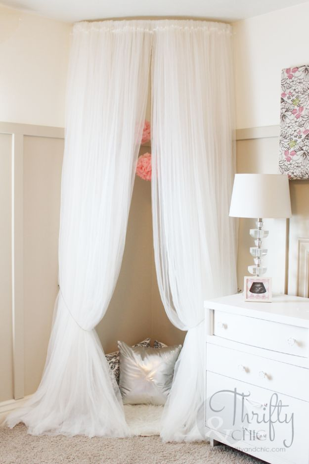 All White DIY Room Decor - Whimsical Canopy Tent - Creative Home Decor Ideas for the Bedroom and Living Room, Kitchen and Bathroom - Do It Yourself Crafts and White Wall Art, Bedding, Curtains, Lamps, Lighting, Rugs and Accessories - Easy Room Decoration Ideas for Modern, Vintage Farmhouse and Minimalist Furnishings - Furniture, Wall Art and DIY Projects With Step by Step Tutorials and Instructions http://diyjoy.com/all-white-decor-ideas