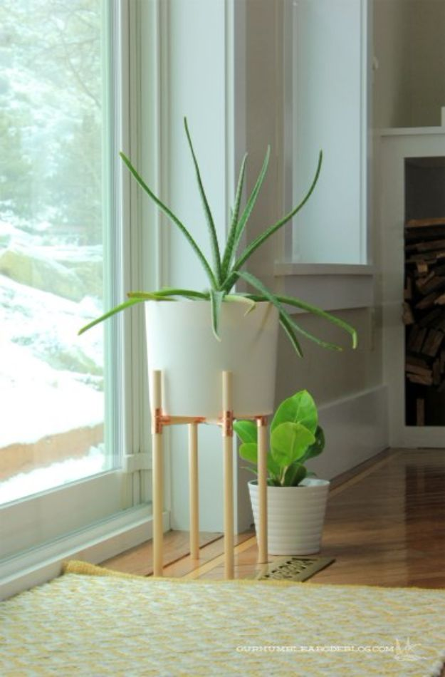DIY Plant Hangers - Wooden Dowel And Copper Fitting DIY Plant Stand - Cute and Easy Home Decor Ideas for Plants - How To Make Planters, Hanging Pot Holders, Wire, Rope and Baskets - Quick DIY Gifts Ideas, Macrame Plant Hanger #gardening #plants #diyideas
