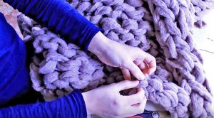 You Need Just One Item To Make This Ultra-Cozy Blanket