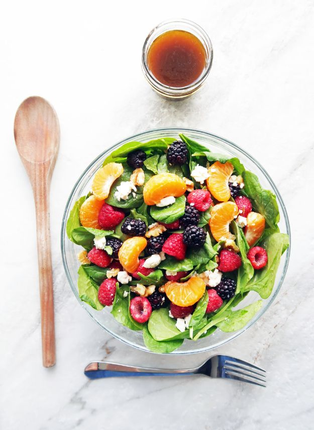 Summer Salad Recipes - Berry Orange Spinach Salad- Easy Salads to Make for Summer Dinners, Picnic, Barbecue and Take To Work Lunches - Grilled Foods, Fruits, Chicken, Tuna and and Shrimp Salad - Healthy Meals on A Budget - Vegetarian and Vegan Recipe Ideas - Homemade Salad Dressings and Fresh Ingredients make the Best Salads #salads #saladrecipes #lunchrecipes #recipes #summe