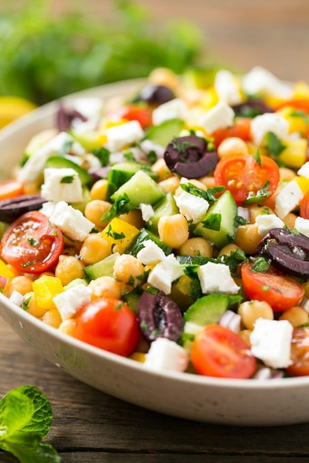 Summer Salad Recipes - Chopped Greek Salad - Easy Salads to Make for Summer Dinners, Picnic, Barbecue and Take To Work Lunches - Grilled Foods, Fruits, Chicken, Tuna and and Shrimp Salad - Healthy Meals on A Budget - Vegetarian and Vegan Recipe Ideas - Homemade Salad Dressings and Fresh Ingredients make the Best Salads #salads #saladrecipes #lunchrecipes #recipes #summe