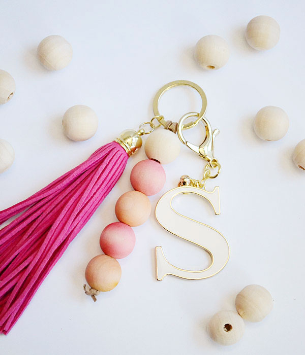 DIY Ideas With Beads - Dyed Wood Beads For An Awesome Keychain - Cool Crafts and Do It Yourself Ideas Made With Beads - Outdoor Windchimes, Indoor Wall Art, Cute and Easy DIY Gifts - Fun Projects for Kids, Adults and Teens - Bead Project Tutorials With Step by Step Instructions - Best Crafts To Make and Sell on Etsy