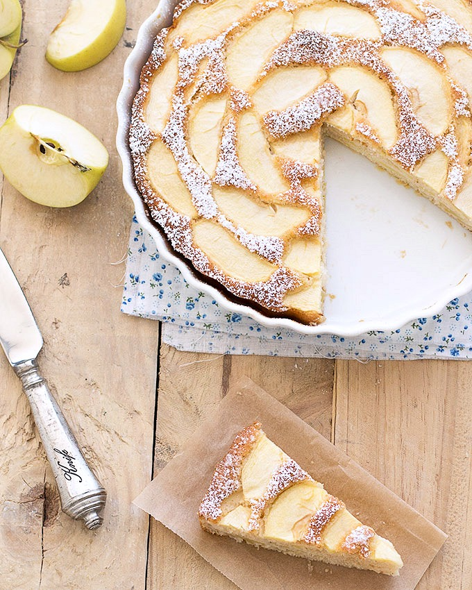 Best Lowfat Recipes - Low Fat Apple Cake - Easy Low fat and Healthy Recipe Ideas For Eating Well and Dieting, Weight Loss - Quick Breakfasts, Lunch, Dinner, Snack and Desserts - Foods with Chicken, Vegetables, Salad, Low Carb, Beef, Egg, Gluten Free http://diyjoy.com/best-lowfat-recipes