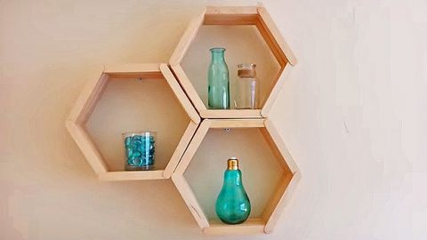 Honeycomb Shelves Are The Easiest Shelves You'll Ever Make | DIY Joy Projects and Crafts Ideas