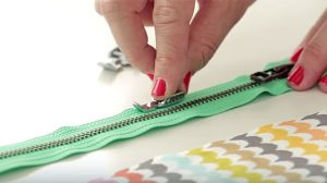 Two Easy Methods For Sewing Zippers