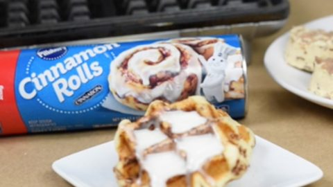 If You Have 3 Minutes and A Waffle Iron, You Can Make These Amazing Cinnamon Rolls | DIY Joy Projects and Crafts Ideas