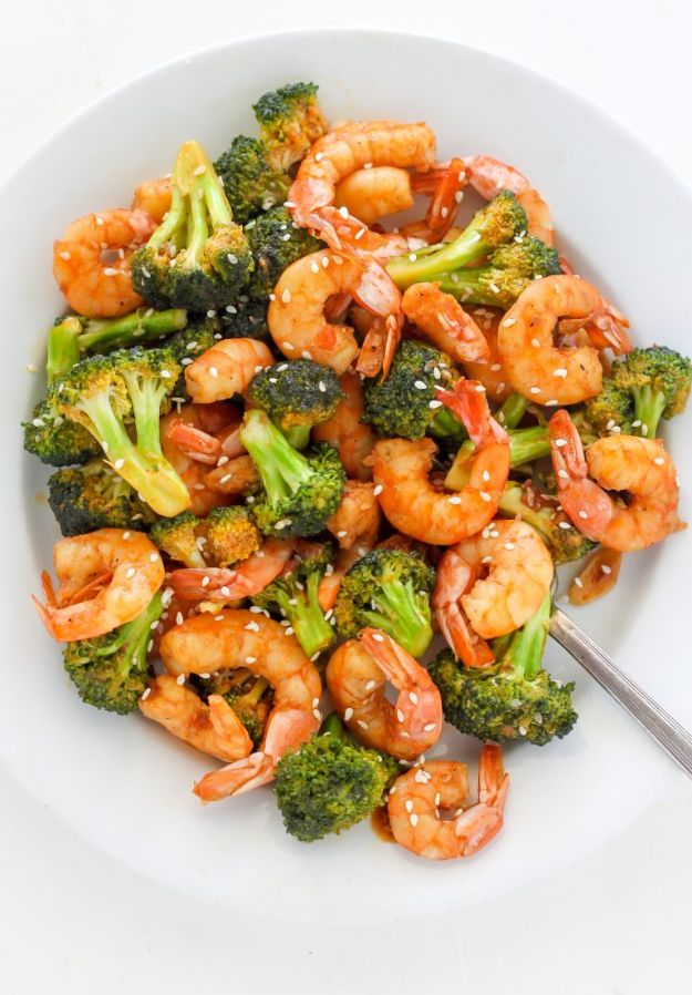 Shrimp Recipes - 20-Minute Skinny Sriracha Shrimp and Broccoli - Healthy, Easy Recipe Ideas for Dinner Using Shrimp - Grilled, Creamy Baked Pasta, Fried, Spicy Asian Style, Mexican, Sauteed Garlic