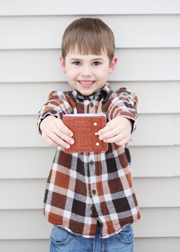 Crafts To Make and Sell - Basic Boys Wallet - 75 MORE Easy DIY Ideas for Cheap Things To Sell on Etsy, Online and for Craft Fairs. Make Money with crafts to sell ideas #crafts