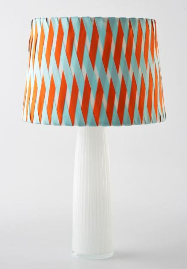 No Sew DIY Home Decor Ideas - Criss-Cross Lampshade - Easy No Sew Projects to Make for Bedroom,. Kitchen, Bath - Crafts to Make and Sell, Blankets, No Sewing Project Ideas #nosew #diydecor #diygifts #homedecor