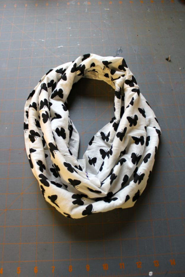 No Sew DIY Fashion Ideas - DIY No-Sew Infinity Scarf - Easy No Sew Projects to Make for Clothes, Shirts, Jeans, Pants, Skirts, Kids Clothing No Sewing Project Ideas