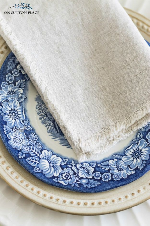 No Sew DIY Home Decor Ideas - DIY No-Sew Linen Napkins - Easy No Sew Projects to Make for Bedroom,. Kitchen, Bath - Crafts to Make and Sell, Blankets, No Sewing Project Ideas #nosew #diydecor #diygifts #homedecor
