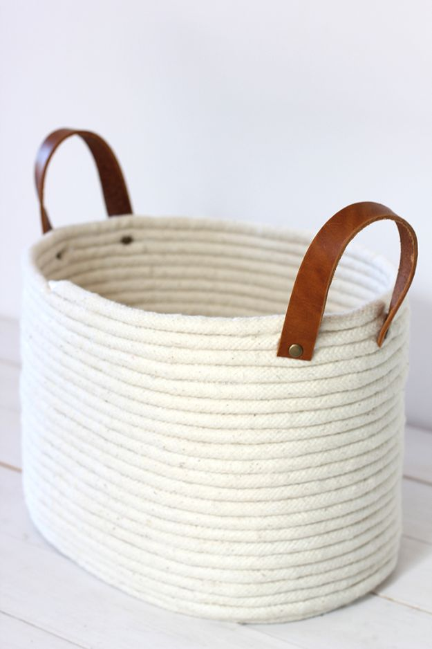 No Sew DIY Home Decor Ideas - DIY No-Sew Rope Coil Basket - Easy No Sew Projects to Make for Bedroom,. Kitchen, Bath - Crafts to Make and Sell, Blankets, No Sewing Project Ideas #nosew #diydecor #diygifts #homedecor